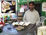 Karachi key Footpathiyaa khanay (1/5)