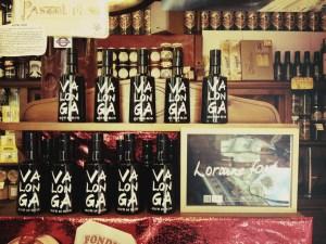 Botellas de Valonga con la letra de LORRAINE