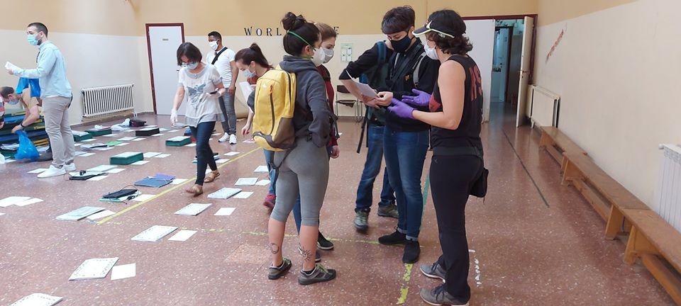 Voluntarios organizándose DELICIAS