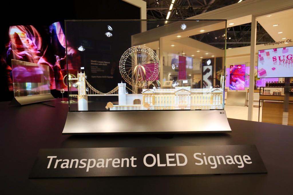 Il pannello OLED trasparente di LG è disponibile in Italia