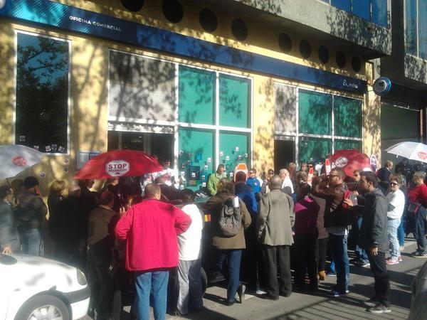 Accion Suministros Basicos - Stop Desahucios Granada 15m 1