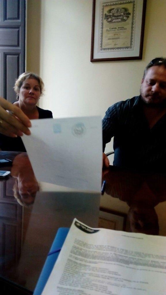 Firma Manuel y Encarni - Stop Desahucios Granada 15M 1