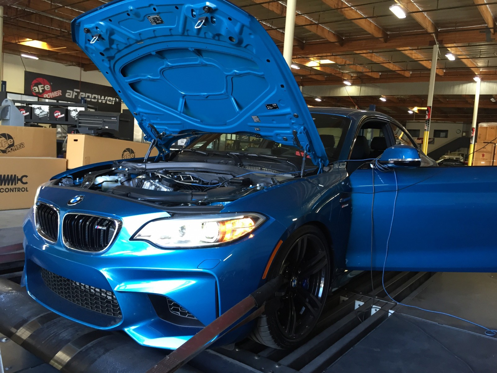 hight resolution of the bmw m2 is the automaker s answer to audi and mercedes benz in the premium sport compact segment the 2016 bmw m2 is a wolf in sheep s clothing as it
