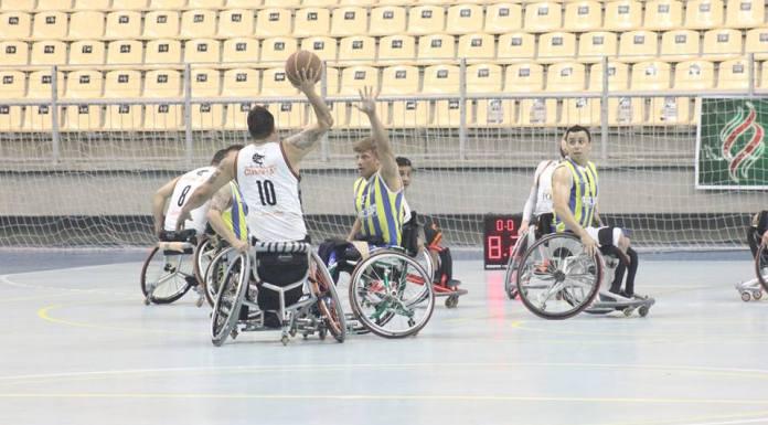 Basquete em cadeira de rodas é uma das modalidades que faz parte da programação do último dia dos Parajasc (Foto: Roberto Dias Borba)