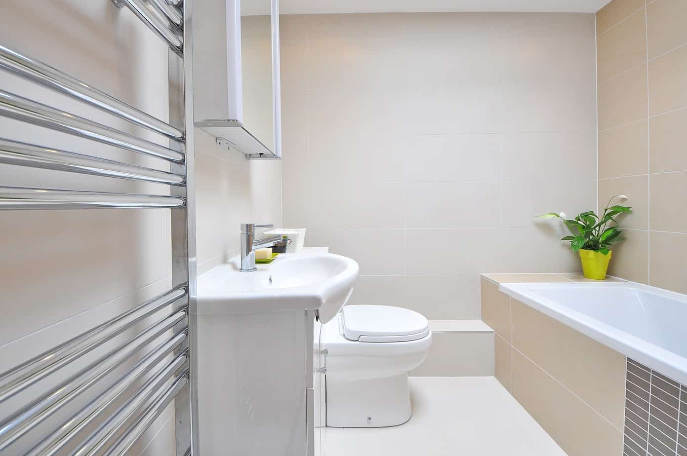 3 Tricks to Use in a Small Bathroom