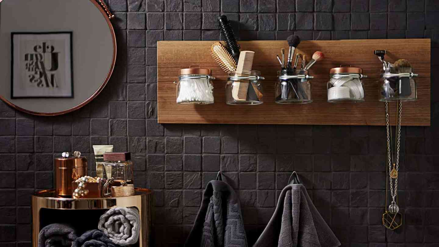Create a stylish organiser for your bathroom