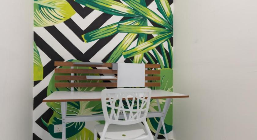 folding chair johor bahru kitchen back covers holi southkey art suite bedandbreakfast eu jalan bakar batu