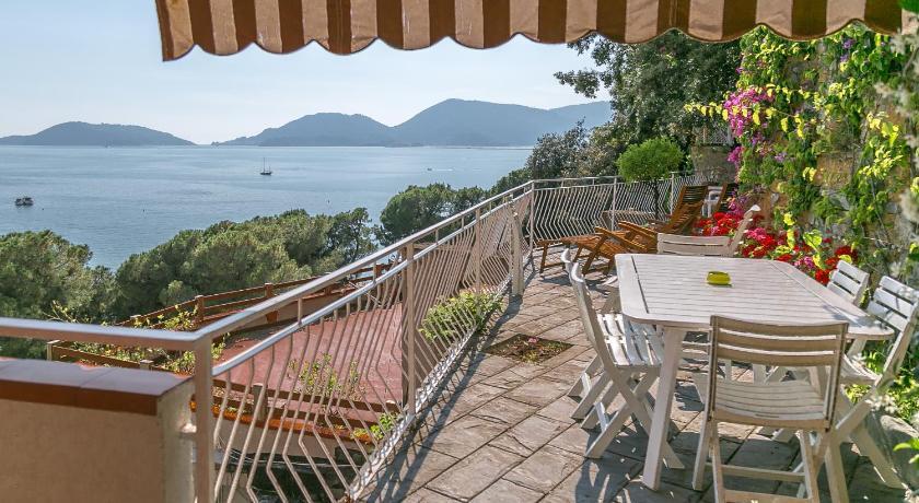 Affittacamere La Terrazza sul Mare in Lerici  Room Deals Photos  Reviews