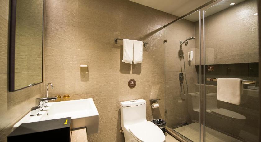 Home Inn Plus Shanghai Pudong Lujiazui Expo Park South