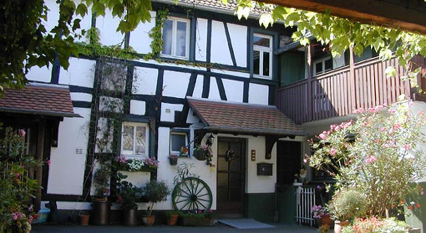 Haus Mit Garten In Idyllischer Hofanlage Réservez En Ligne Bed