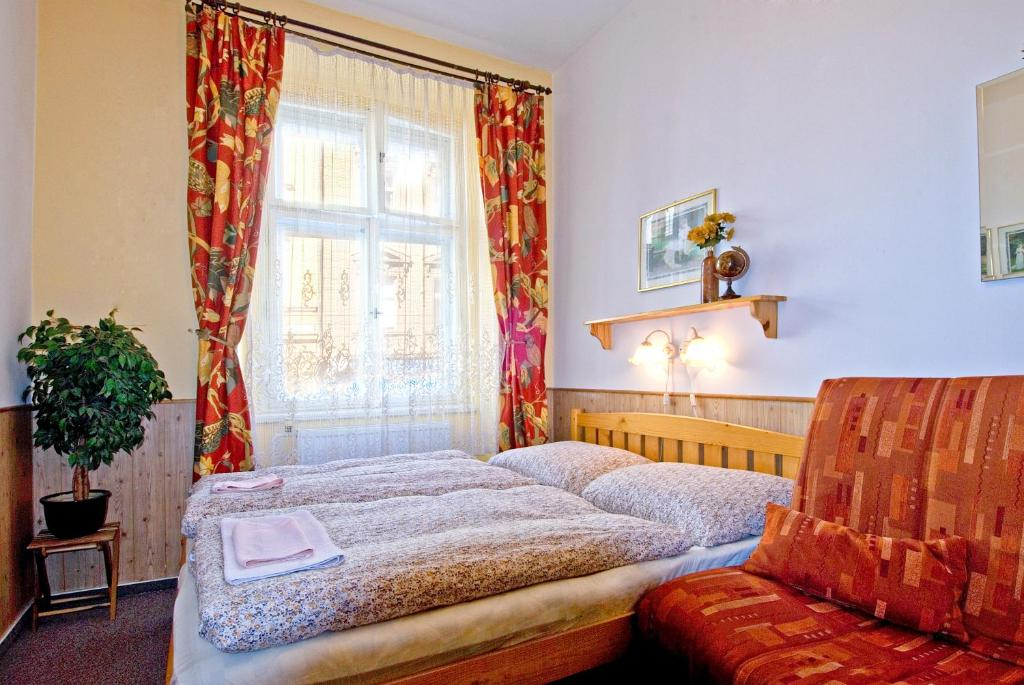 Alice Apartment House Starting From 24 Eur Hotel In