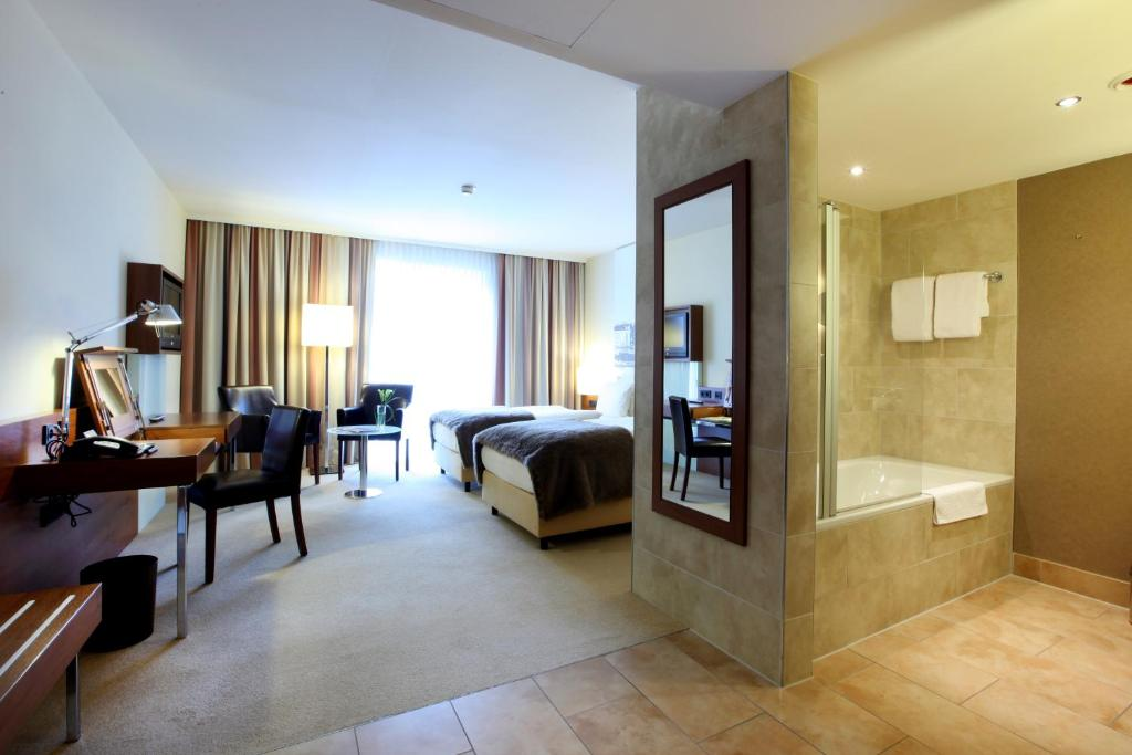 Lindner Hotel Am Michel Starting From 80 Eur Hotel In