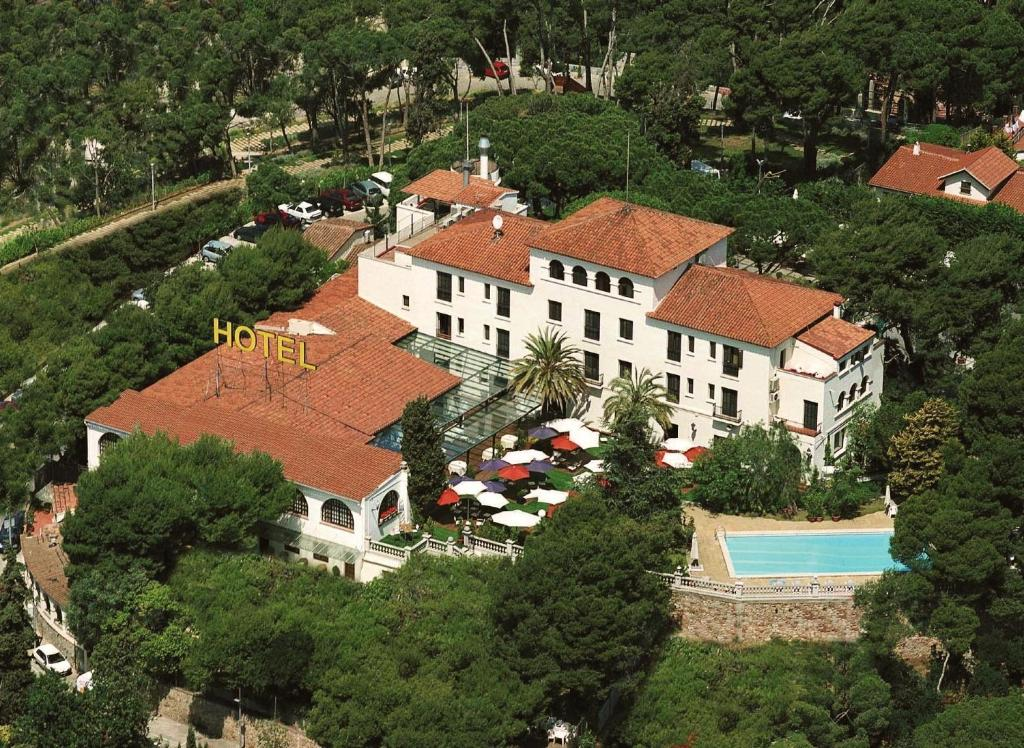 Hotel El Castell Starting From 53 Eur Hotel In Sant Boi