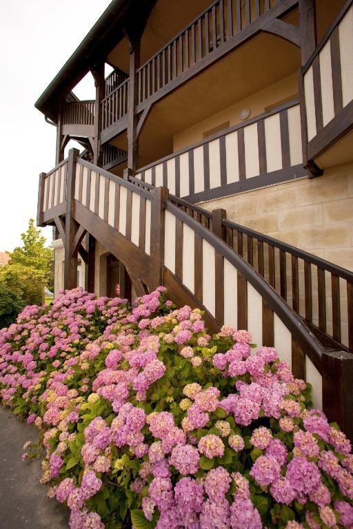 Pierre Vacances La Residence Du Golf Hotel In Deauville