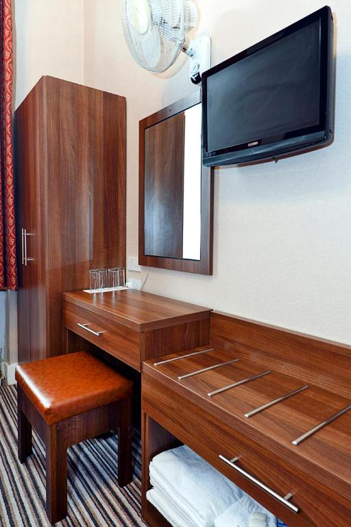 Hotel Oliver Starting From 50 Gbp Hotel In London