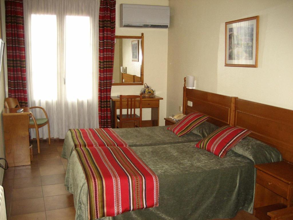 Hotel Rey Don Jaime Starting From 49 Eur Hotel In