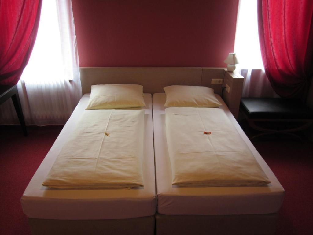 Hotel Alte Krone Starting From 45 Eur Hotel In Tubingen