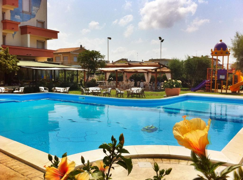 Hotel Corallo Starting From 30 Eur Hotel In Fregene Italy