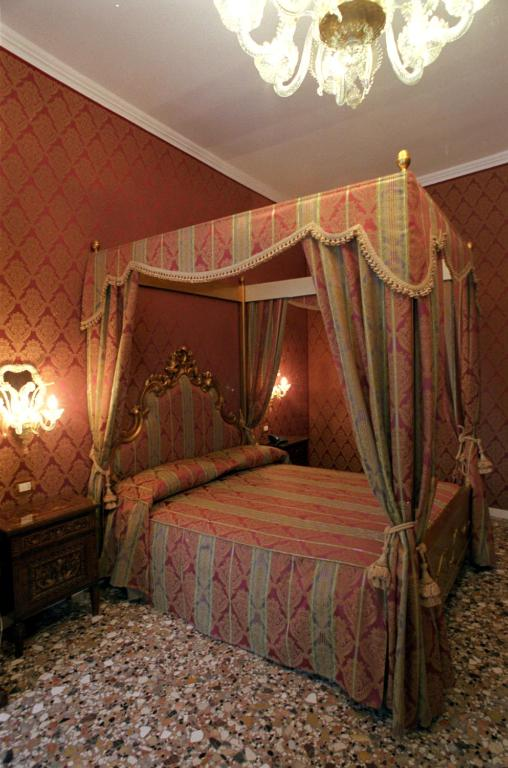 Casa Pisani Canal Starting From 50 Eur Hotel In Venice