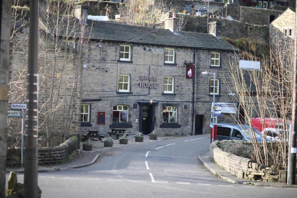 The White Horse Inn Starting From 40 Gbp Hotel In