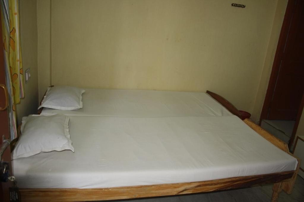 Cosy Guest House Near Government Hospitals Photos