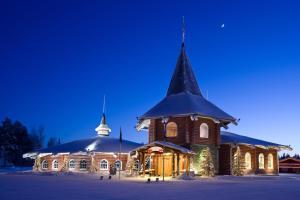 芬蘭耶誕老人渡假村,我終於見到耶誕老人了!😍 @愛吃鬼芸芸