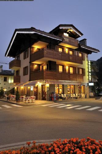 AHOTELcom  Casa Viola Appartamento Valdidentro Italia  prenotazione online