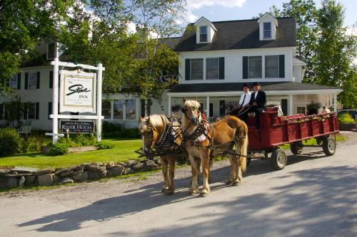 Room Photo 244422 Hotel The Stowe Inn And Tavern Hotel