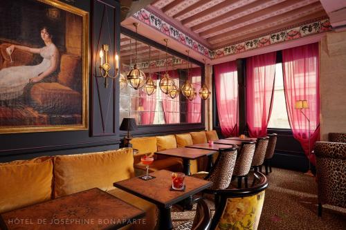 """Hôtel de Joséphine BONAPARTE""的图片搜索结果"