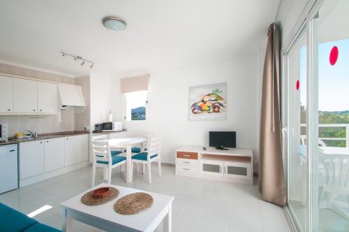 Apartamentos Sunset Oasis Ibiza  Only Adults San Antonio