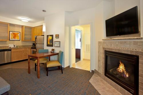 hotels with kitchens in portland oregon modular outdoor lowes residence inn by marriott airport at cascade ...