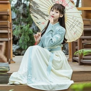 Nuwa Hanfu Set: Long-Sleeve Top + Pleated Maxi Skirt + Scarf