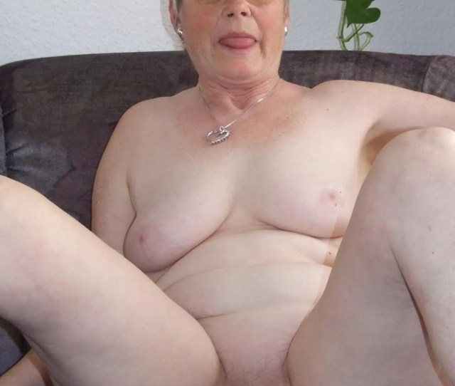 Naughty Older Lady Showing Off Her Naked Body Grannypornpics Net