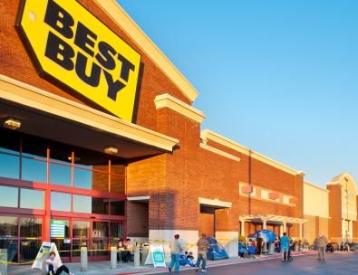 Best Buy line building for Black Friday