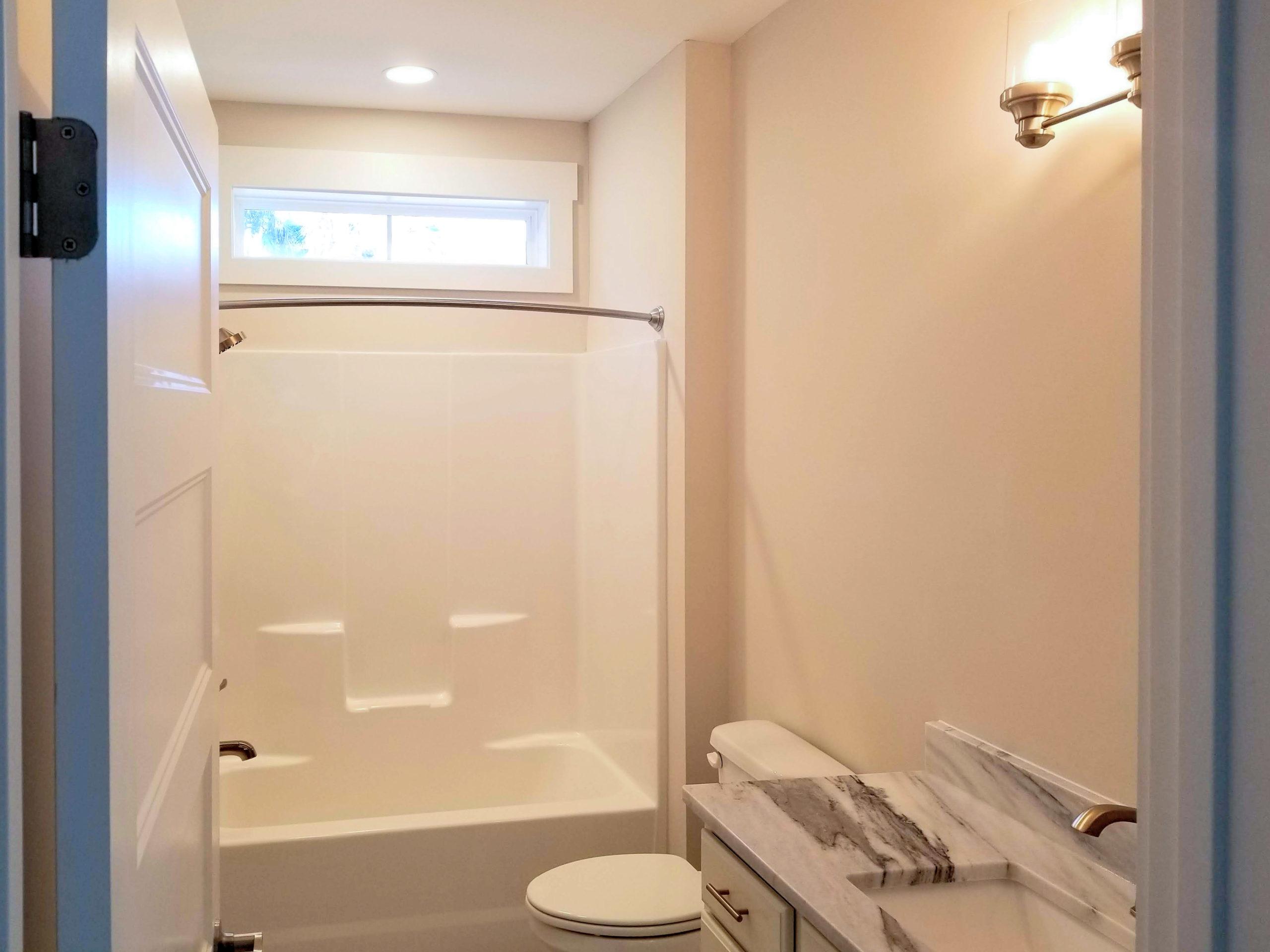 sapelo modular home bathroom
