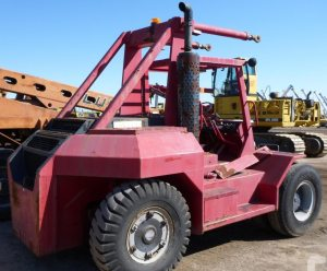 30,000lbs. Taylor Forklift 2