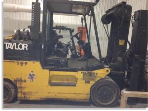 Taylor 30000lb forklift fork truck pic 3