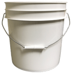 White 4.25 gallon round bucket