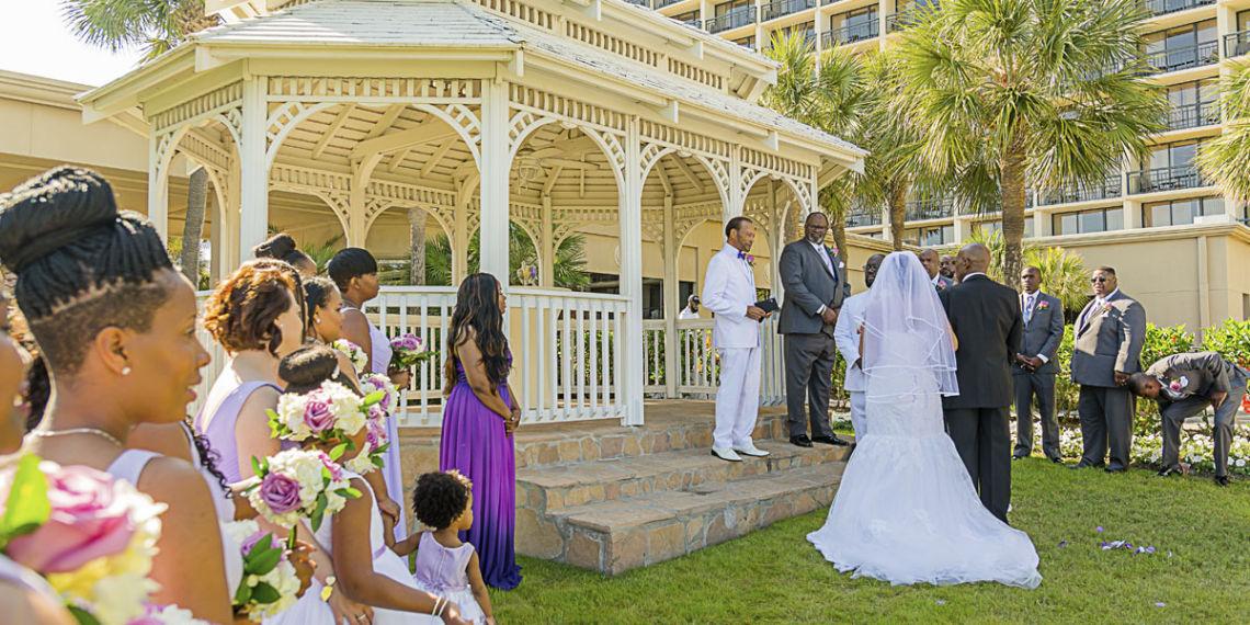Outdoor Vs Indoor Ceremonies: Indoor Vs. Outdoor Weddings
