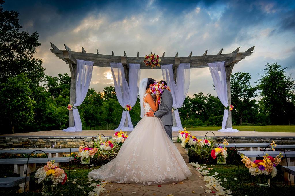 Affordable Houston Wedding Photography: Houston Wedding Photographer