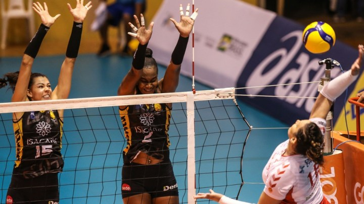 Praia Clube vence o Osasco e está na final da Superliga Feminina 2021