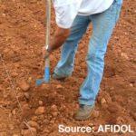 Ouverture du sol à la bèche