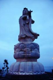 Statue at Nanbin Park