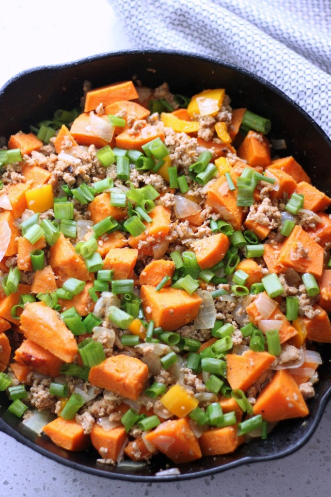 Ground turkey sweet potato skillet. Your family will love this nutritious meal that takes less than 30 minutes to make. #AD #paleo #healthy #sweetpotato #groundturkey