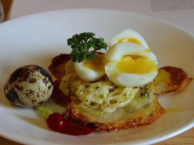 Quail eggs (Jon Sullivan / Wikimedia Commons)