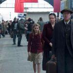 جيفري رش و إيما واتسون في The Book Thief