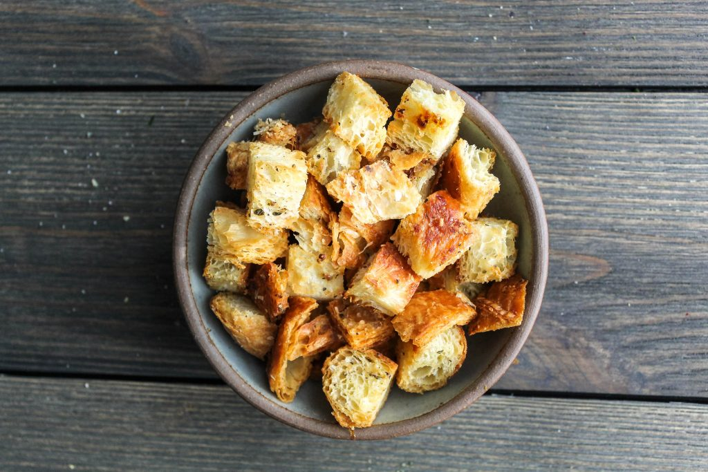 simple, flaky, toasted croissant croutons | a flavor journal food blog
