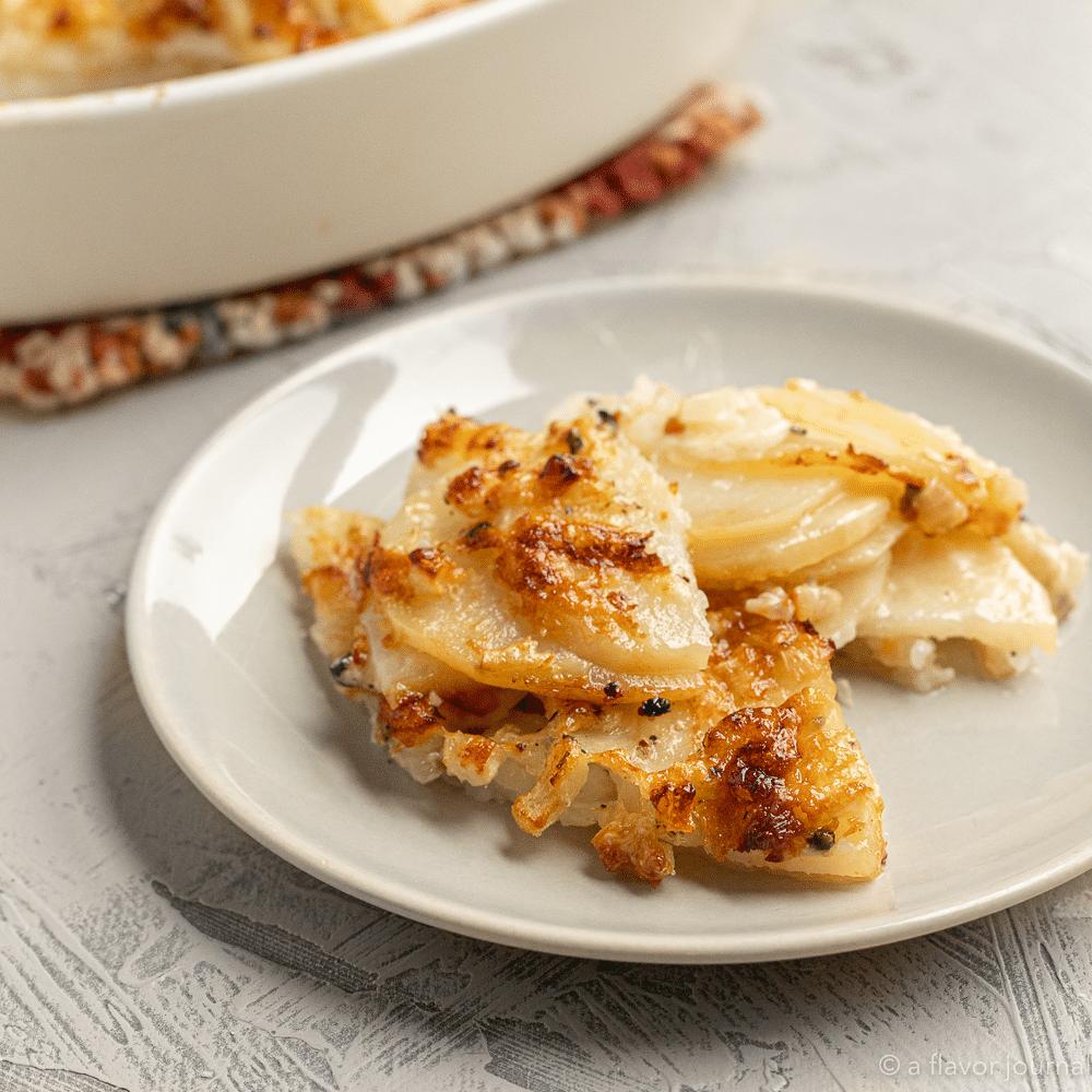 A simple recipe for garlic parmesan scalloped potatoes. (Serves 4-6).