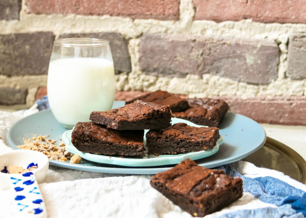 these thick fudge brownies are packed with walnuts, but made as a small batch version! this recipe makes eight brownie squares; just enough for sharing with your closest friends, or keeping for yourself. :) small batch walnut brownies | a flavor journal food blog