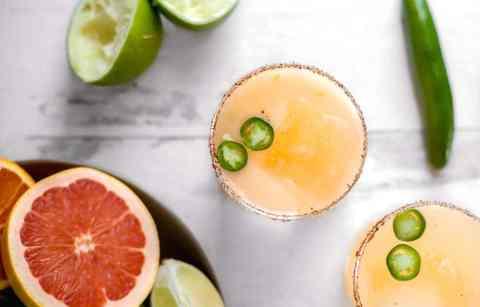 serrano grapefruit margaritas :: a spicy twist on a grapefruit margarita